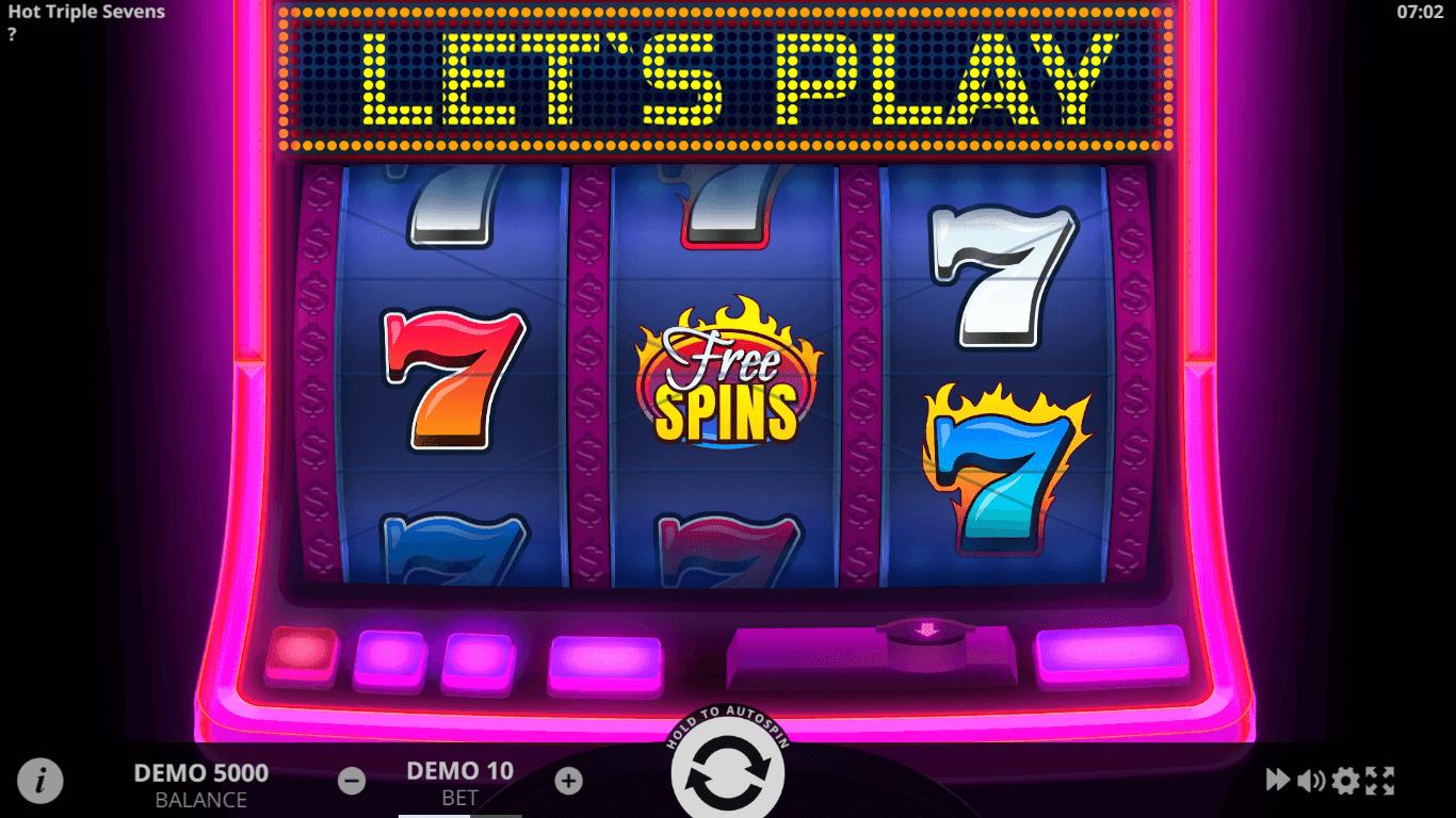Hot Triple Sevens slot machine screenshot
